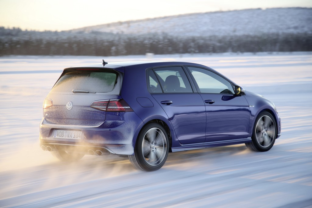 20440_VW_Golf_R_Icedrive_003