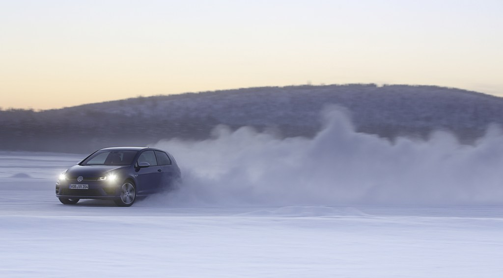 20446_VW_Golf_R_Icedrive_015