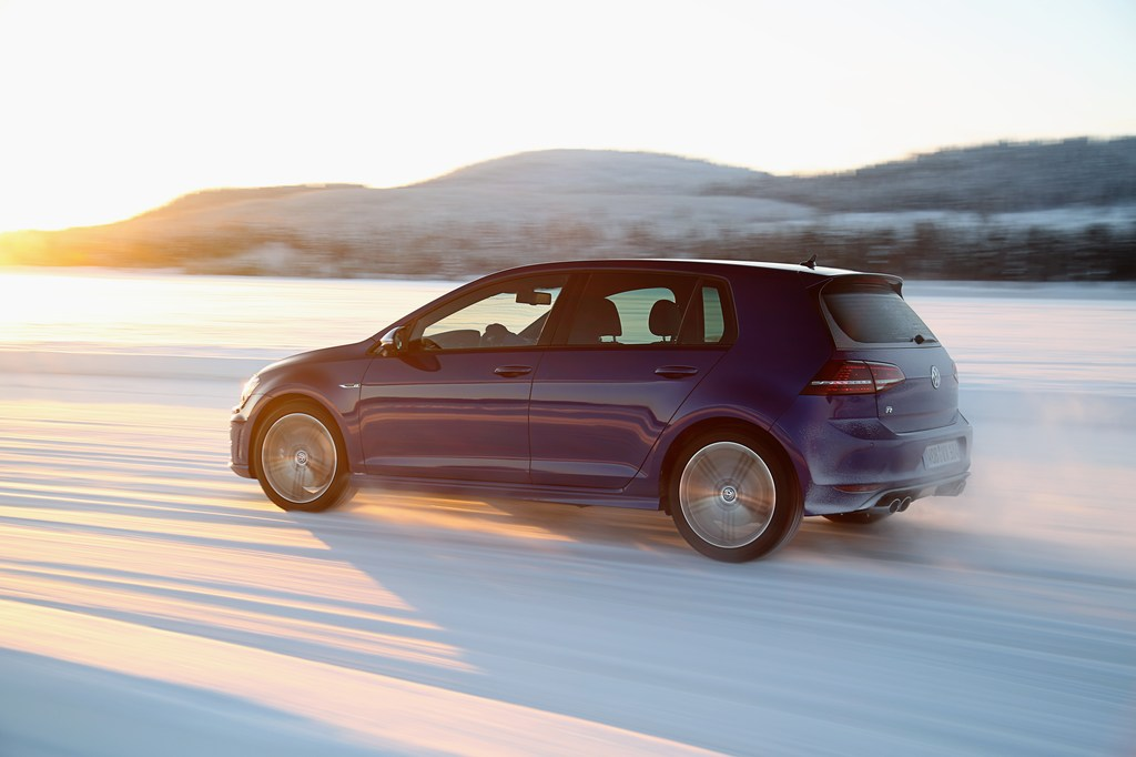 20448_VW_Golf_R_Icedrive_021