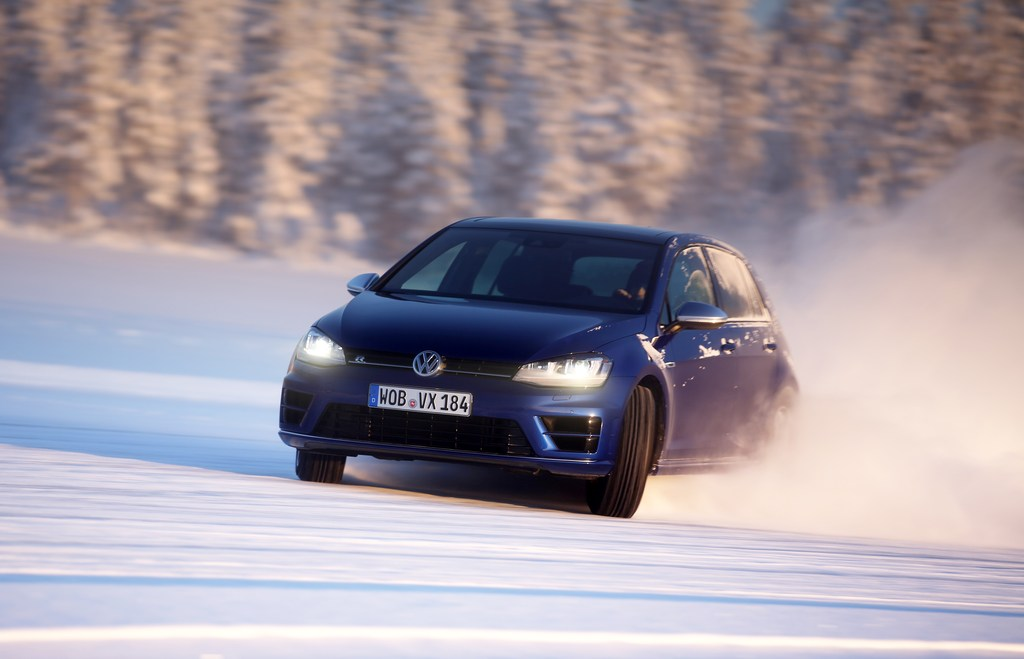 20449_VW_Golf_R_Icedrive_025