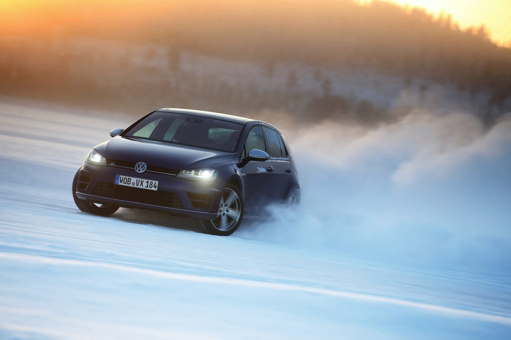 20450_VW_Golf_R_Icedrive_027
