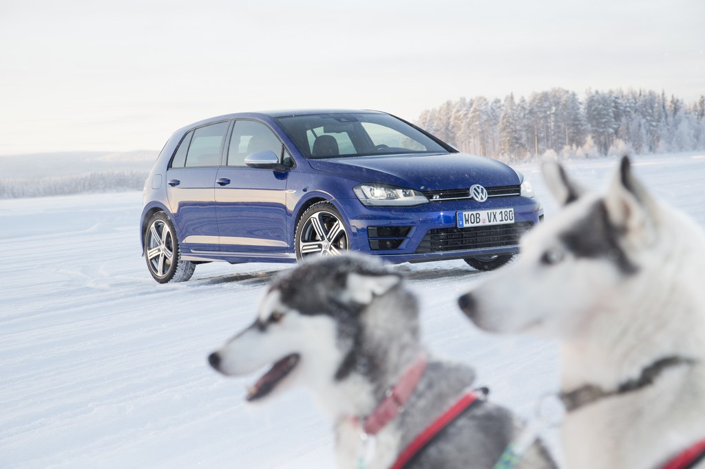 20458_VW_Golf_R_Icedrive_070