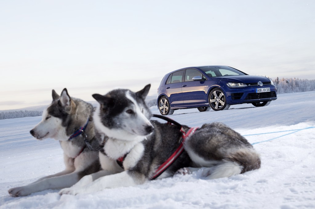 20459_VW_Golf_R_Icedrive_074