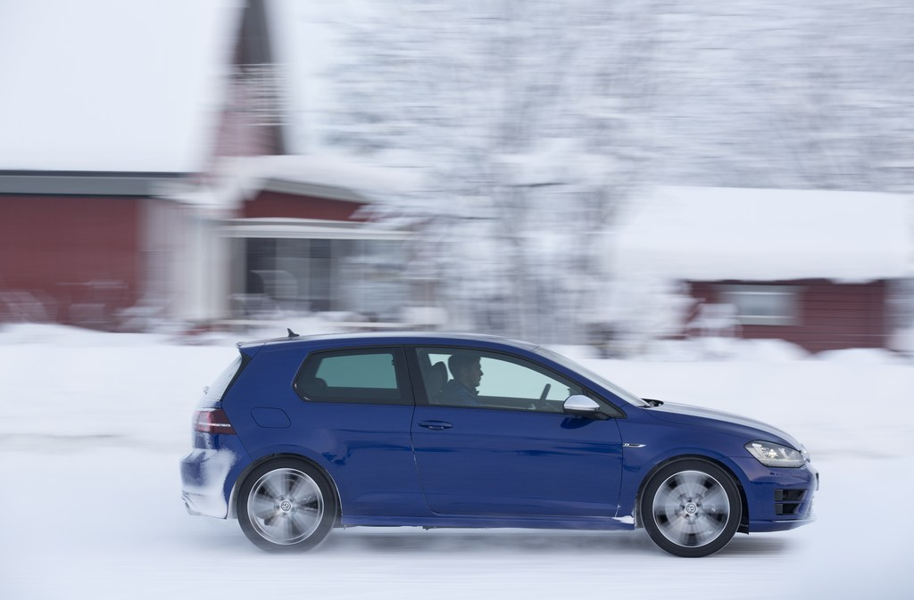 20461_VW_Golf_R_Icedrive_084