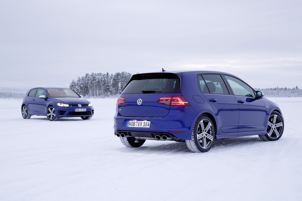 VW_Golf_R_Icedrive_017
