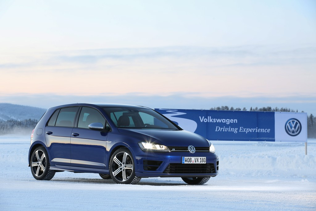 VW_Golf_R_Icedrive_044